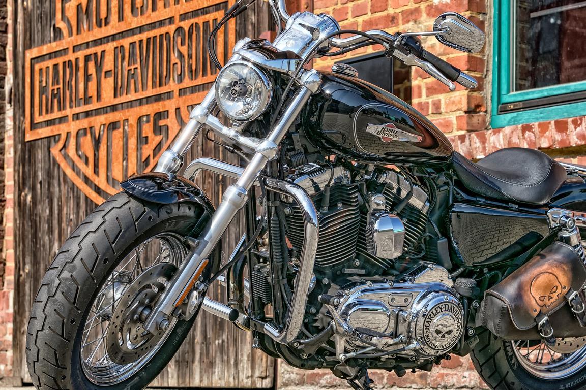 Motorrad, Zeichen für Impressum